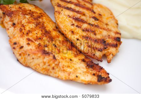 Grilled Chicken Breast With Vegetable And Salad