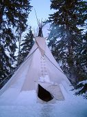 picture of cree  - indian tipi in the snow - JPG