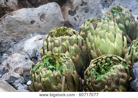 Artichokes Seasoned With Stones