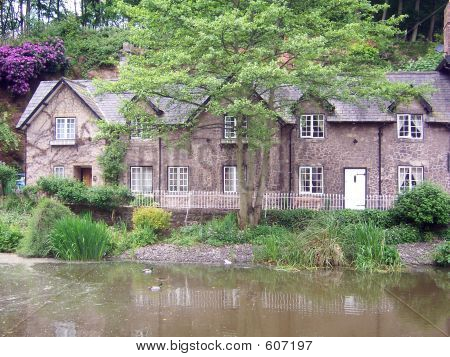 Pond Cottages