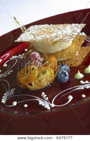 Brandy snap and fruit dessert