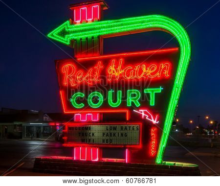 Route 66: Rest Haven Court Neon Sign, Springfield, MO