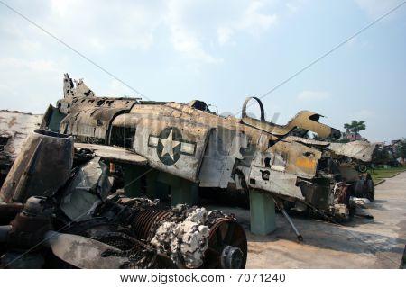 Crashed F-4