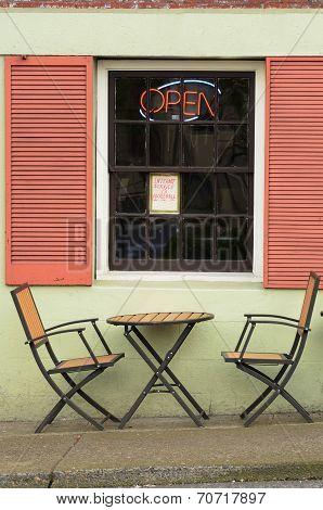 Sidewalk Sit