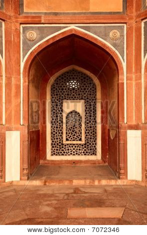 Arch With Carved Marble Window. Mughal Style. Humayun's Tomb, De