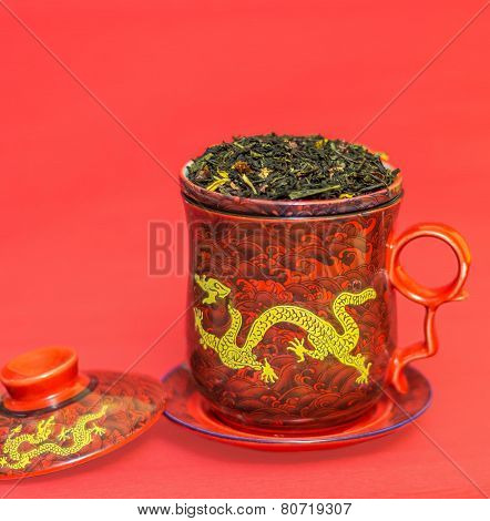Mug with dragon