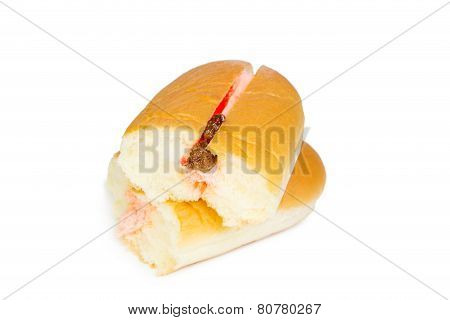 Strawberry Raisin Flavour Cream Filled Hotdog Bread