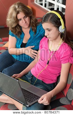Mother tries to talk to her internet addicted teenage daughter