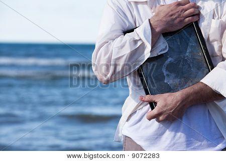 Man hugs Picture