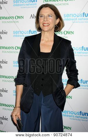 0LOS ANGELES - MAY 14:  Annette Bening at the SeriousFun Children's Network 2015 LA Gala at the Dolby Theater on May 14, 2015 in Los Angeles, CA