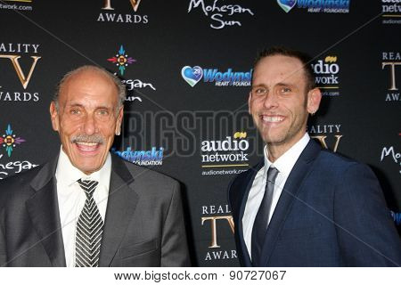 LOS ANGELES - MAY 12:  Les Gold, Seth Gold at the Children's Justice Campaign Event at the Private Residence on May 12, 2015 in Beverly Hills, CA