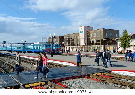People Go To Landing Platform Of Railway Station In Mogilev, Belarus