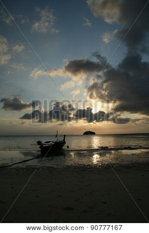 Sunrise at Lipe island