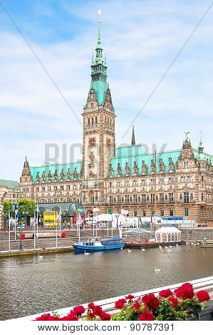 View of the cathedral and square in Hamburg close up.