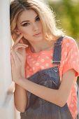foto of big-girls  - Very beautiful blonde girl with big brown eyes - JPG
