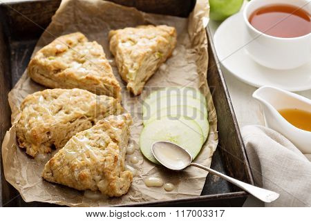 Apple scones with glaze