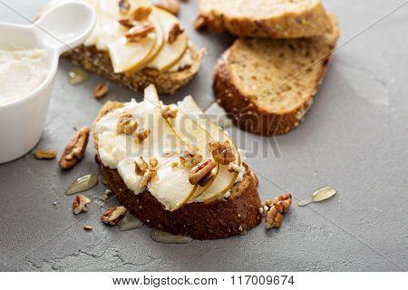 Pear and ricotta bruschetta with honey
