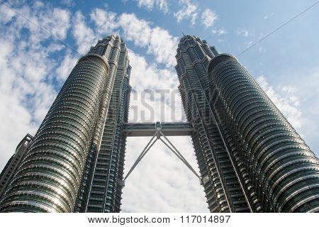 Petronas Twin Towers, Horizontal