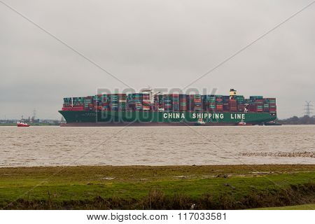 container ship China Shipping run agroundon