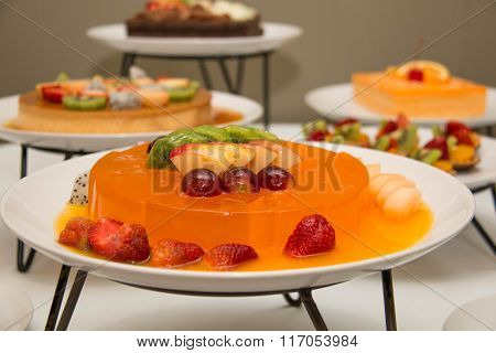 Fruit Jelly With Fresh Fruit