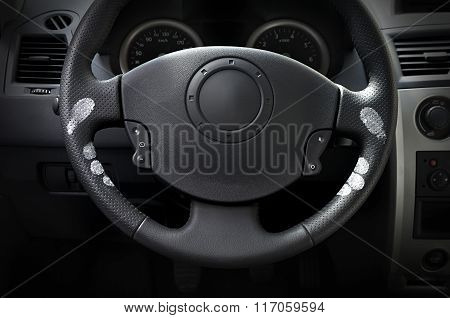 Car wheel with hand marks