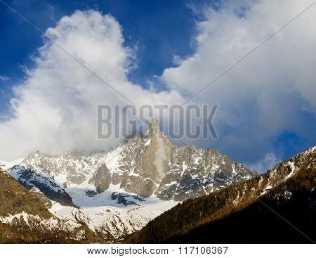 Dru Peak, Aiguilles du Chamonix, Mont Blanc Massif, Alps, Chamonix, France.