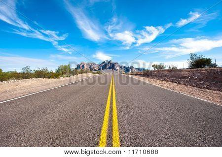 Carretera del desierto remoto