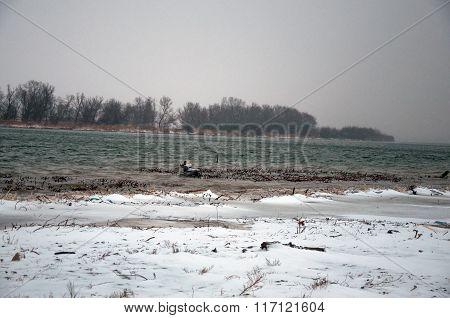 River Unde Snow