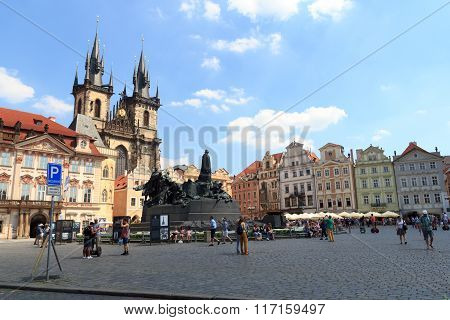Church Of Our Lady Before Tyn, Old Town Square And Jan Hus Memorial In Prague