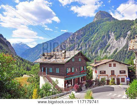 Alpine House, La Palud, Italy