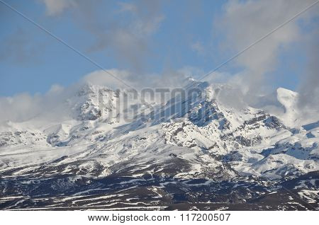 Mt Ruapehu - mountain with snow