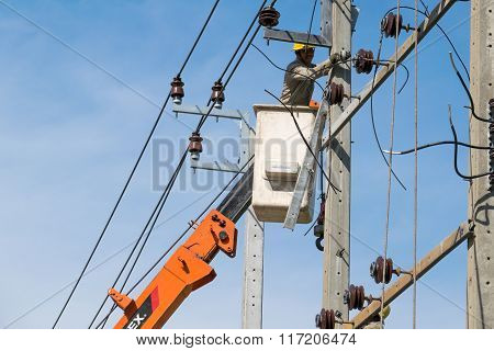 Electrician Were Working To Repair Power Lines.
