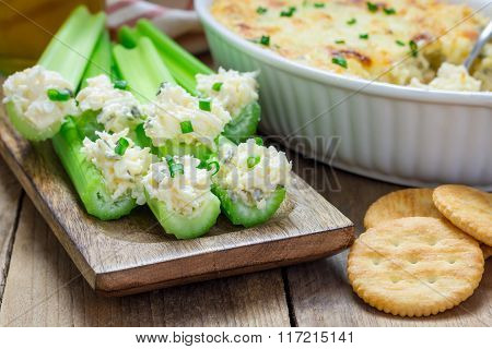 Baked Crab Dip, Served With Seley Sticks And Crackers