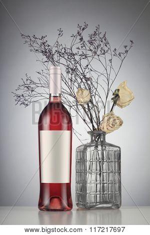 Rose Wine Bottle With Label Mockup