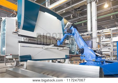 robot installation for bending of metal