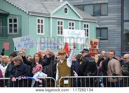 Independence Day Protesters, Reykjavik