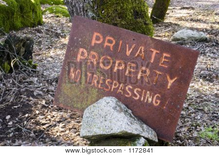 Rusty No Tresspassing Sign W Path