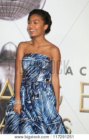 LOS ANGELES - FEB 5:  Yara Shahidi at the 47TH NAACP Image Awards Press Room at the Pasadena Civic Auditorium on February 5, 2016 in Pasadena, CA