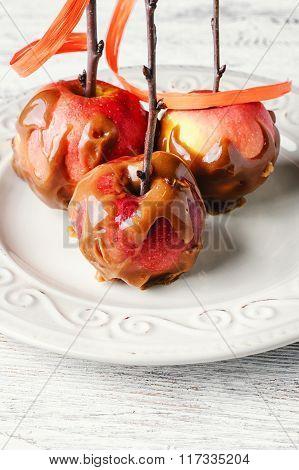 Apples In Caramel