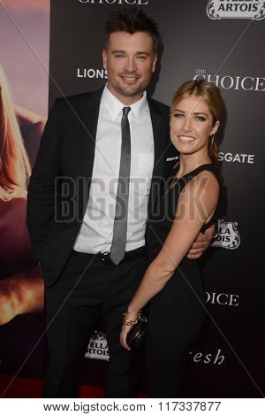 LOS ANGELES - FEB 1:  Tom Welling at the The Choice Special Screening at the ArcLight Hollywood Theaters on February 1, 2016 in Los Angeles, CA