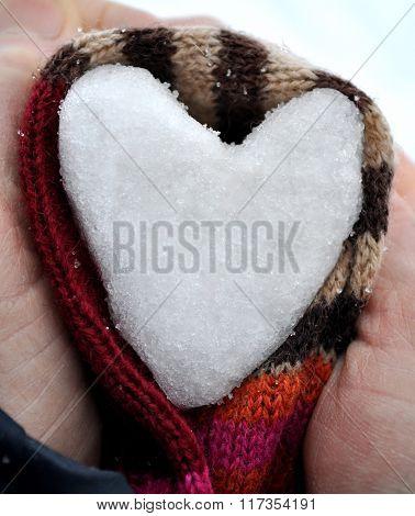 Snow Heart Inthe Hands