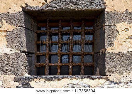 Brown Distorted  Castle Window    Wall Arrecife Lanzarote Spain