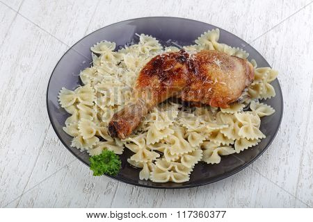 Chicken Legs With Makaroni