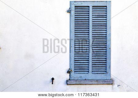 Grey Window  Viladosia Palaces  In   Concrete  Brick