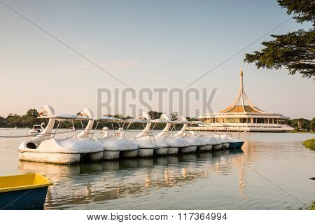 Public Park, Suanluang Rama 9