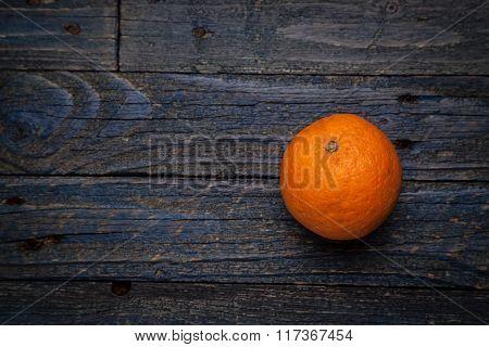 arancia su fondo bu
