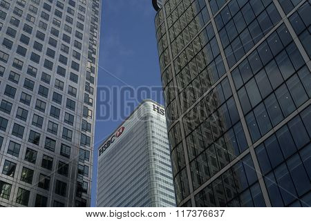 HSBC tower in Canary Wharf from Reuters plaza