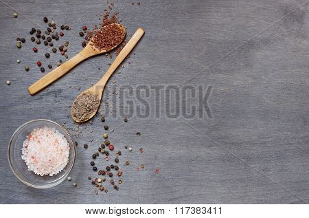 Some Different Types Of Salt With Pepper