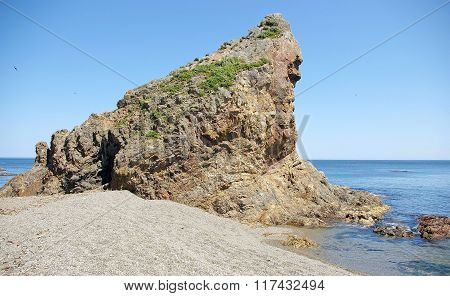 Warrior Rock , Sakhalin Island