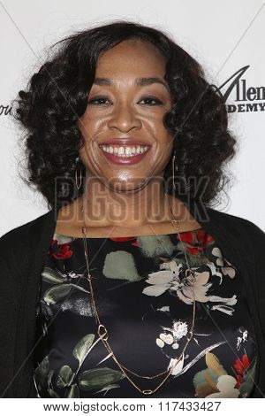 LOS ANGELES - FEB 4:  Shonda Rhimes at the Debbie Allen's Freeze Frame U.S. Premiere at the Wallis Annenberg Center for the Performing Arts on February 4, 2016 in Beverly Hills, CA